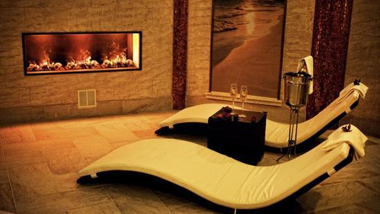 Retro Riverside Luxury Wellness Resort - 17 Popup navigation