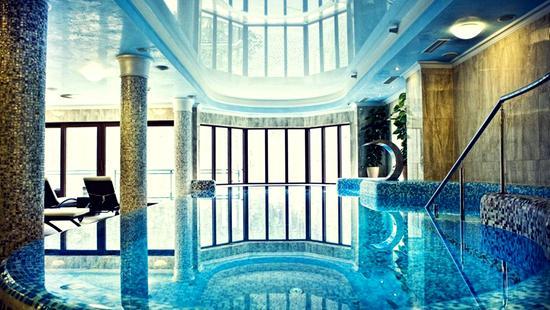 Retro Riverside Luxury Wellness Resort - 12 Popup navigation