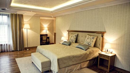 Retro Riverside Luxury Wellness Resort - 31 Popup navigation