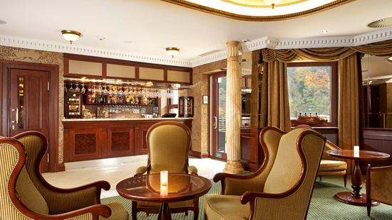 Retro Riverside Luxury Wellness Resort - 22 Popup navigation