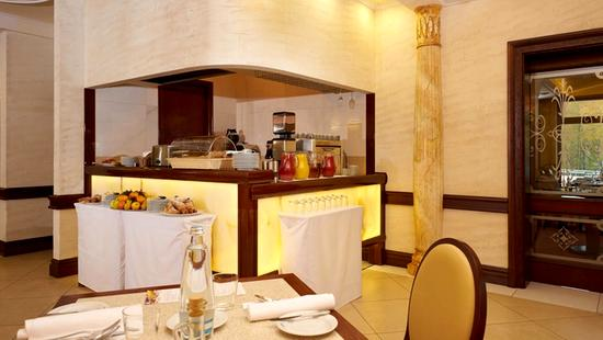 Retro Riverside Luxury Wellness Resort - 27 Popup navigation