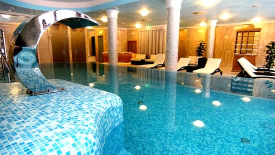 Retro Riverside Luxury Wellness Resort - 13 Popup navigation