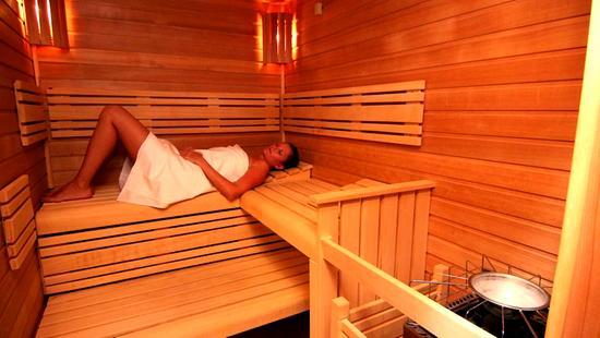 Retro Riverside Luxury Wellness Resort - 16 Popup navigation