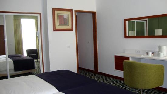 Holiday Inn Algarve - 10 Popup navigation